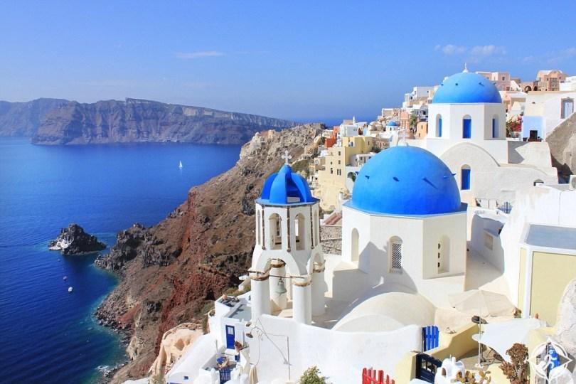 سانتوريني اليونان من أفضل أماكن السفر بالعالم