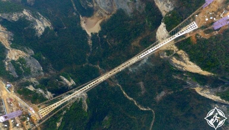 جسر تشانغجياجيه الزجاجى1