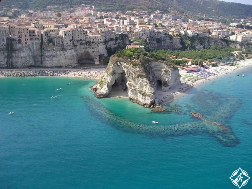 قرى إيطاليا السياحية