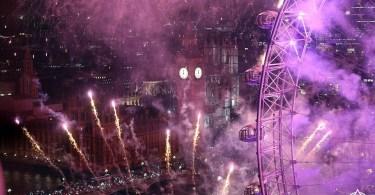 بريطانيا-لندن-نهر التايمز-العام الجديد 2017