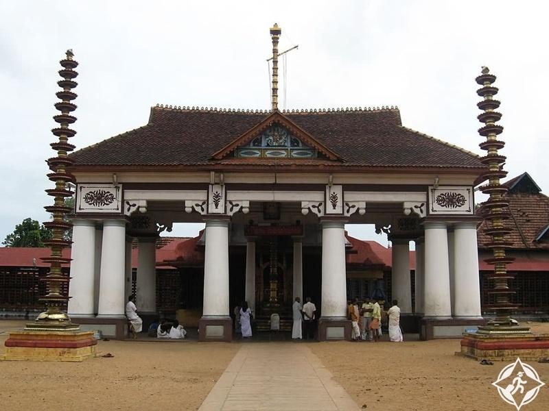السياحة في كوتشي - معبد إرناكولام ماهاديفا