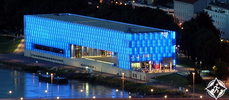 المعالم السياحية في لينز - متحف لينتوس للفنون
