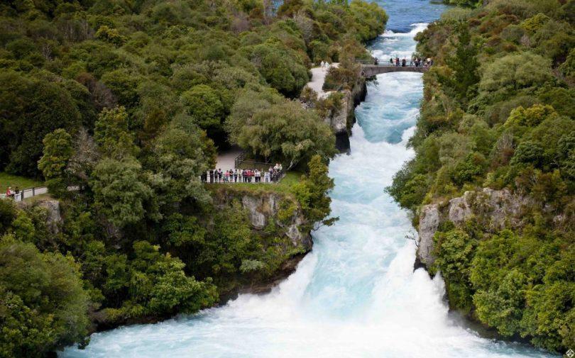 السياحة في تاوبو - شلالات هوكا