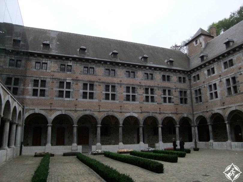 لييج - متحف حياة والون