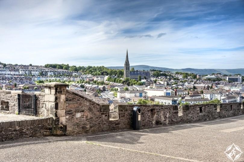 إيرلندا الشمالية-جدران ديري-مدينة ديري