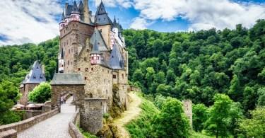 قلاع القرون الوسطى - قلعة إلتز