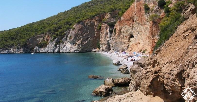 جزيرة اجيستري - شاطئ شاليكيادا