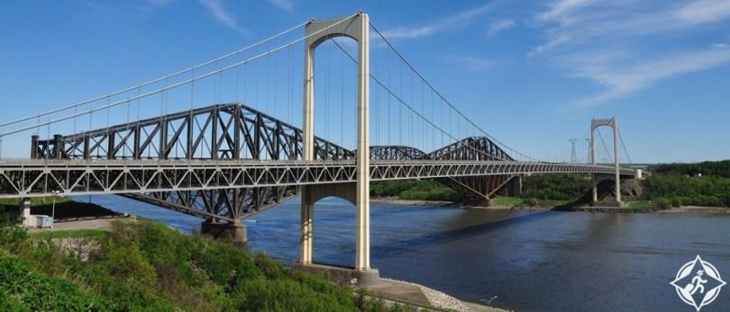 ليفيس - جسر كيبيك