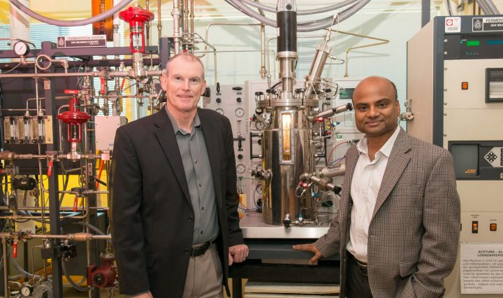 Kevin Sowers and Upal Ghosh at Kevin's IMET lab.