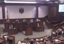 Octavian Țîcu către colegii din Parlament: 100 de oameni politici … țin captivi 3 milioane de oameni, dar voi râdeți