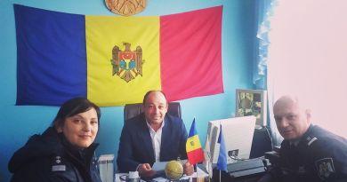 Foto // Polițiștii din Nisporeni au desfăşurat întruniri cu reprezentanţii a 5 primării din raion