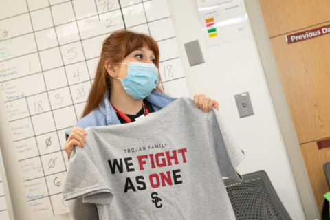 Keck Medicine of USC staff received the shirts as a sign of support. (USC Photo/Ricardo Carrasco III)