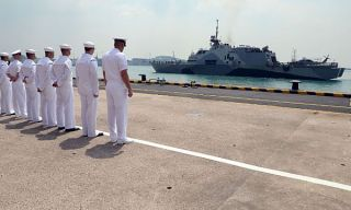 USS Freedom arrives in Singapore on April, 18 2013. US Navy Photo