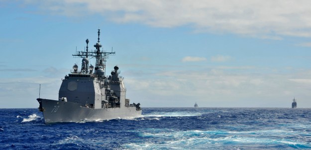 USS Lake Erie (CG-70) operates with other cruisers off the coast of Hawaii on Jan. 27, 2014. US Navy Photo