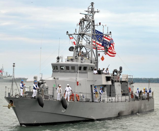 Cyclone-class coastal patrol ship USS Hurricane (PC-3) in 2012. US Navy Photo