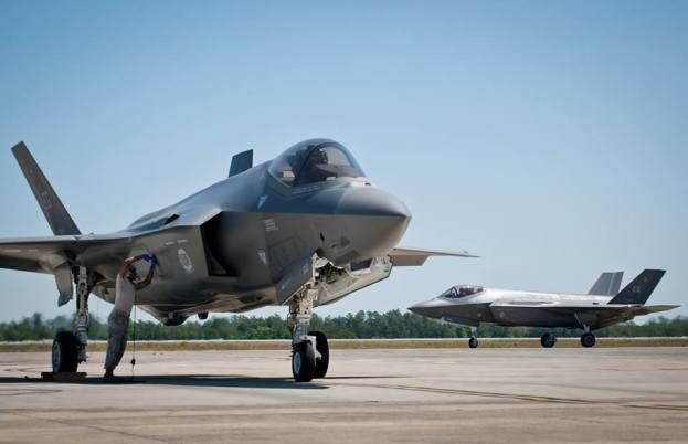 Fire Breaks Out on F-35 at Eglin Air Force Base, Pilot Safe