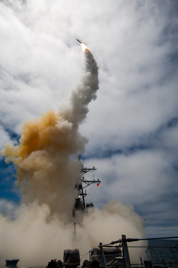 The Arleigh-Burke class guided-missile destroyer USS John Paul Jones (DDG 53) launches a Standard Missile-6 (SM-6) during a live-fire test of the ship's aegis weapons system on June 19, 2014. US Navy photo.