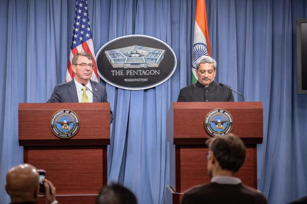 Indian Minister of Defense Manohar Parrikar and Secretary of Defense Ash Carter brief Pentagon press corps. DoD Photo