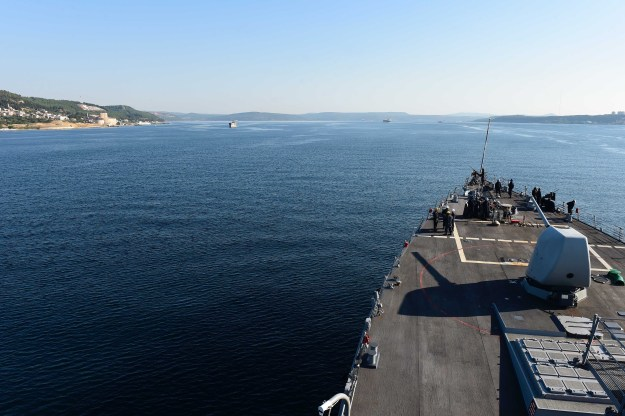 USS Ross (DDG-71) transits the Bosphorus Strait July 22, 2016. US Navy Photo