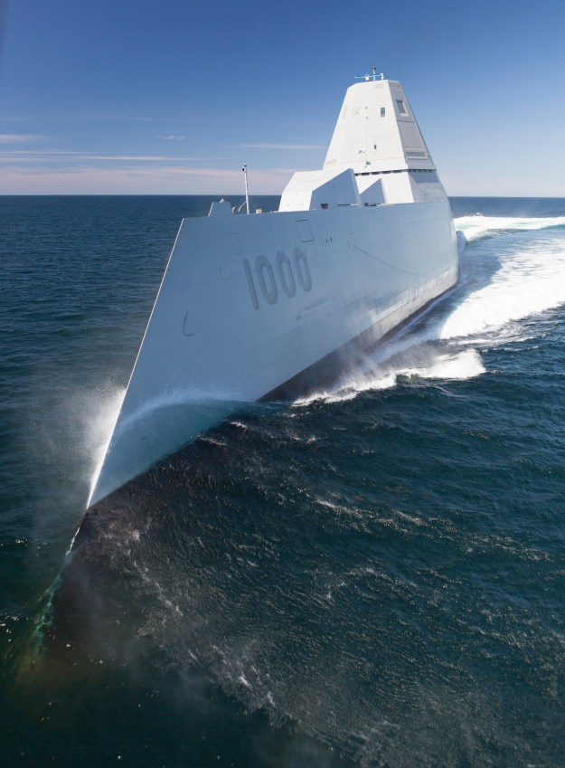 Zumwalt (DDG 1000) transits the Atlantic Ocean on April 21, 2016. US Navy Photo