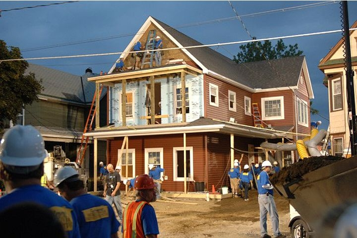Extreme_makeover_house