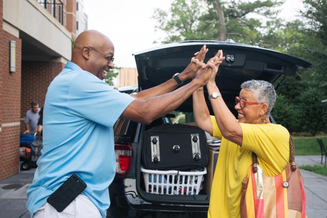 Move-in weekend 2017 at the Brown Residence Hall. Photos by Rob Travis.