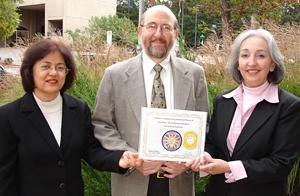 UT OIRA representatives with SAIR prize