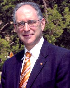 Outgoing Provost Robert Holub
