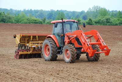 Planting switchgrass in May 2008 (Photo courtesy of Sam Jackson, UT Office of Bioenergy Programs)