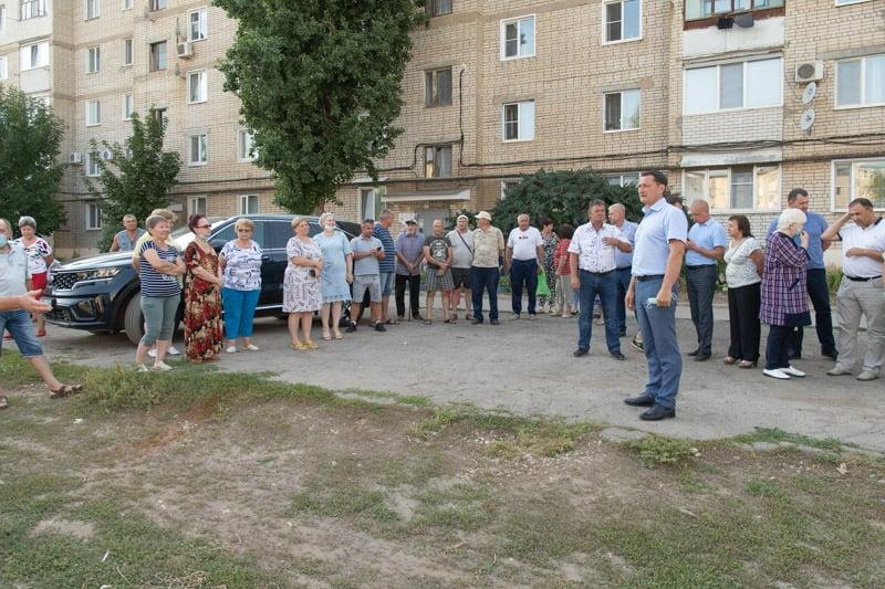 Дмитрий Романов встретился с жителями микрорайона Простоквашино - новости маркс