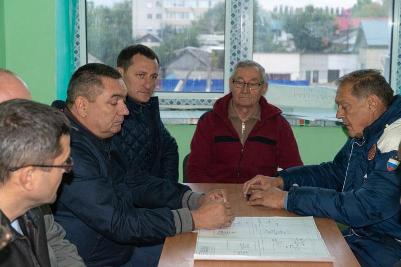 Депутат Государственной думы Александр Стрелюхин посетил строящиеся в городе Марксе объекты
