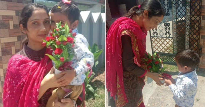 Corona Warriors: Son gives warm welcome to mother returning home after 21 days of duty Hamirpur