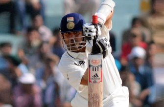 Don't speculate on Tendulkar's career: Dhoni