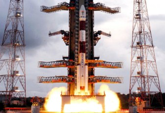 Indian rocket puts seven satellites in orbit