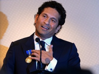 Tendulkar again quashes retirement talks