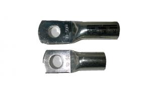 Rohrkabelschuhe (unten) haben ein kürzeres Rohr als DIN-Presskabelschuhe (oben)
