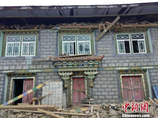 西藏林芝市米林县6.9级地震致两人受轻伤-雪花新闻