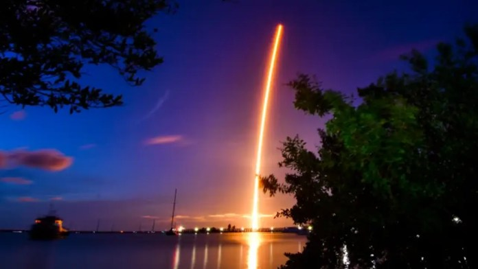 Elon Musk: SpaceX launches the First Civilian Crew into Orbit without professional astronauts