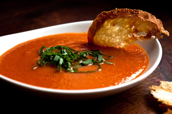 Sweet red pepper and tomato soup - Recipe