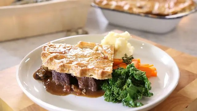 Beef and oyster pie