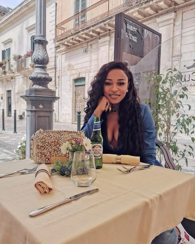 DJ Zinhle in Italy