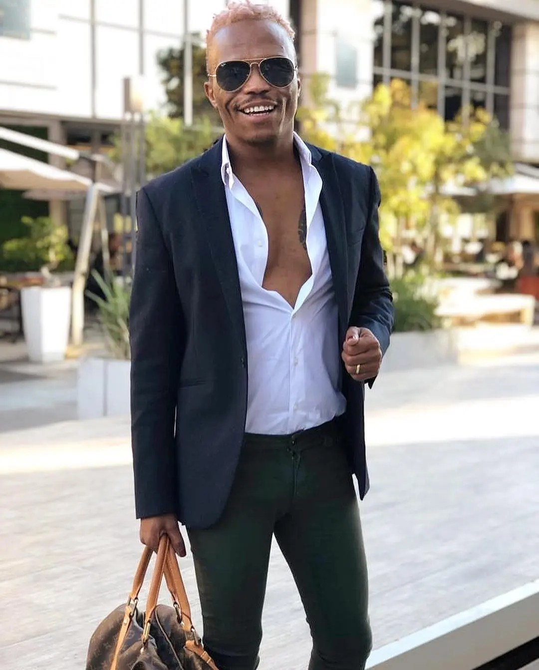 Imagine having a bae that cannot take nice pictures: Somizi