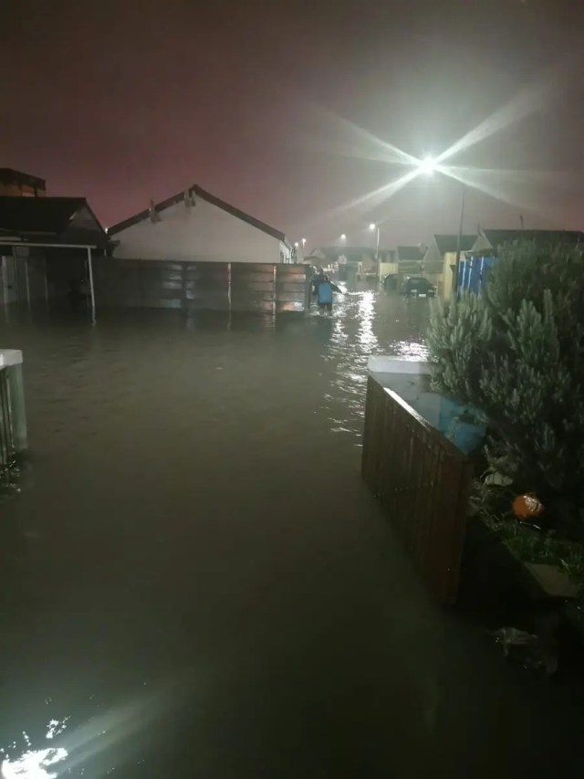 Flooding hits Cape Town