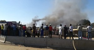 Fire destroys 15 shacks