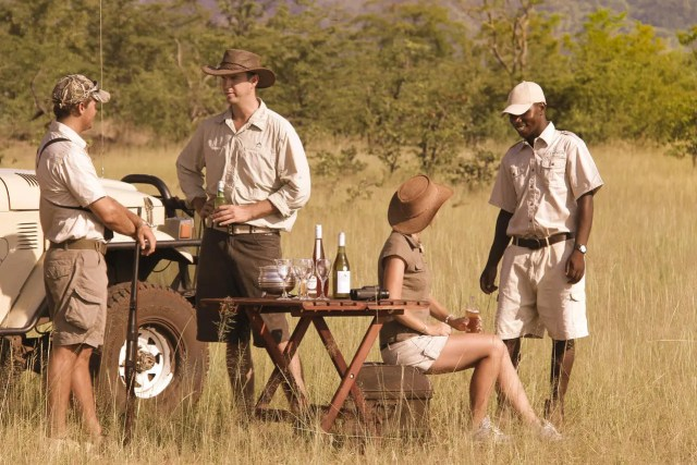 safari travellers,