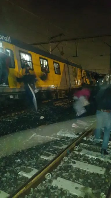 20 injured after train derails at Bellville station