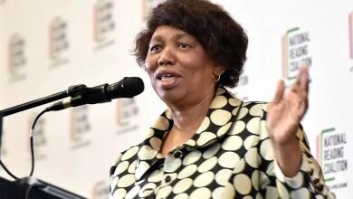 Photo of Motshekga sends condolences after KZN teacher dies from COVID-19