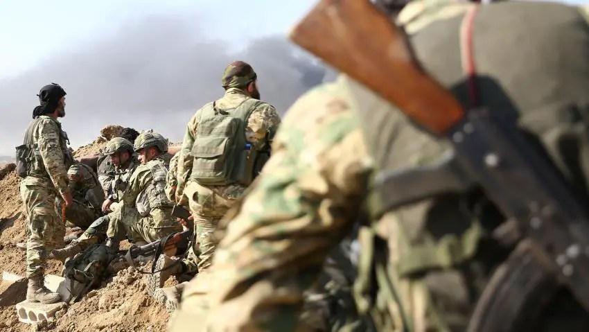 Syria regime forces move towards Turkish border