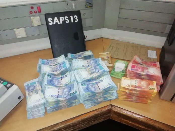 Bribery cash