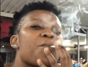 Photo of Watch – Zodwa Wabantu sends a threat, I will smoke you like this